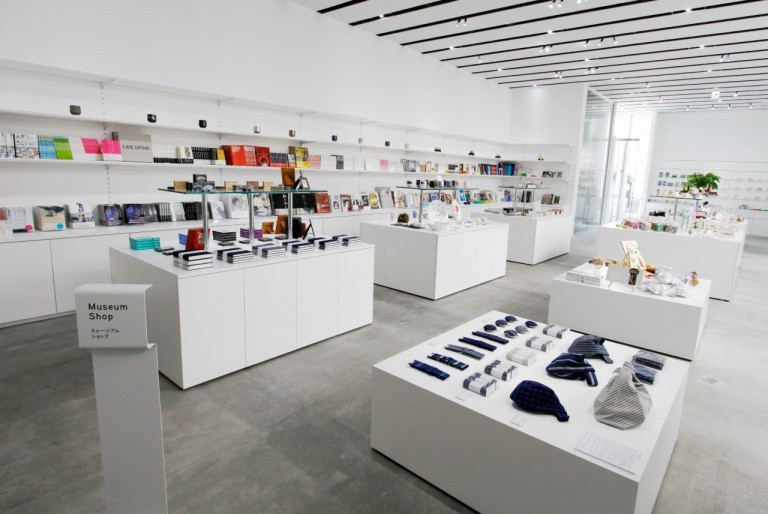 img-facility-shop